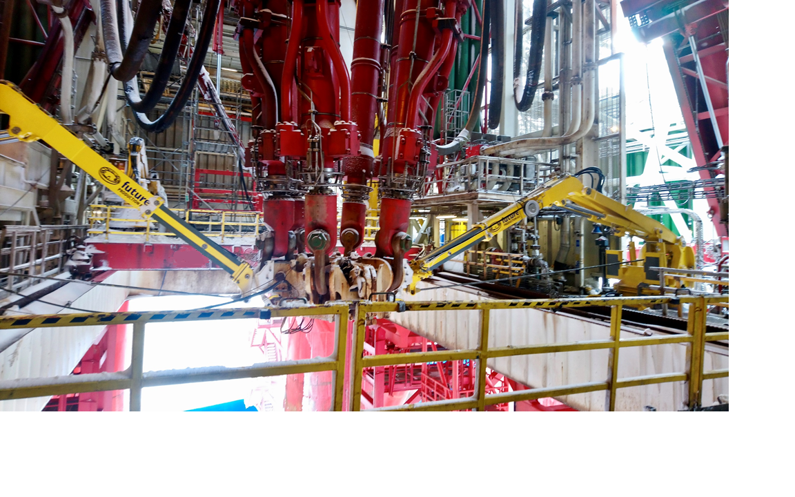 Riser Tension Ring Winches/Pushing Devices